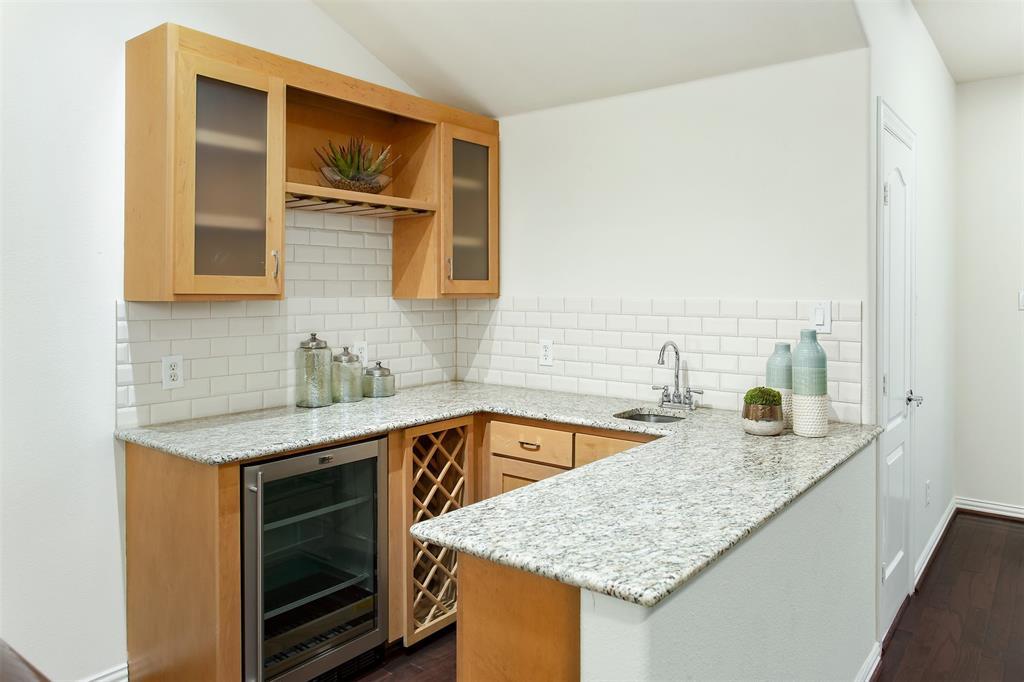 3817 Travis  Street, Dallas, Texas 75204 - acquisto real estate best negotiating realtor linda miller declutter realtor