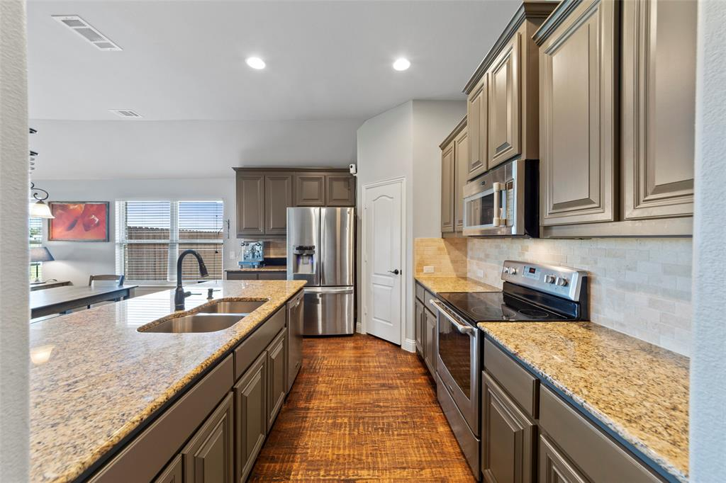 306 The Trails  Drive, Blue Ridge, Texas 75424 - acquisto real estate best celina realtor logan lawrence best dressed realtor