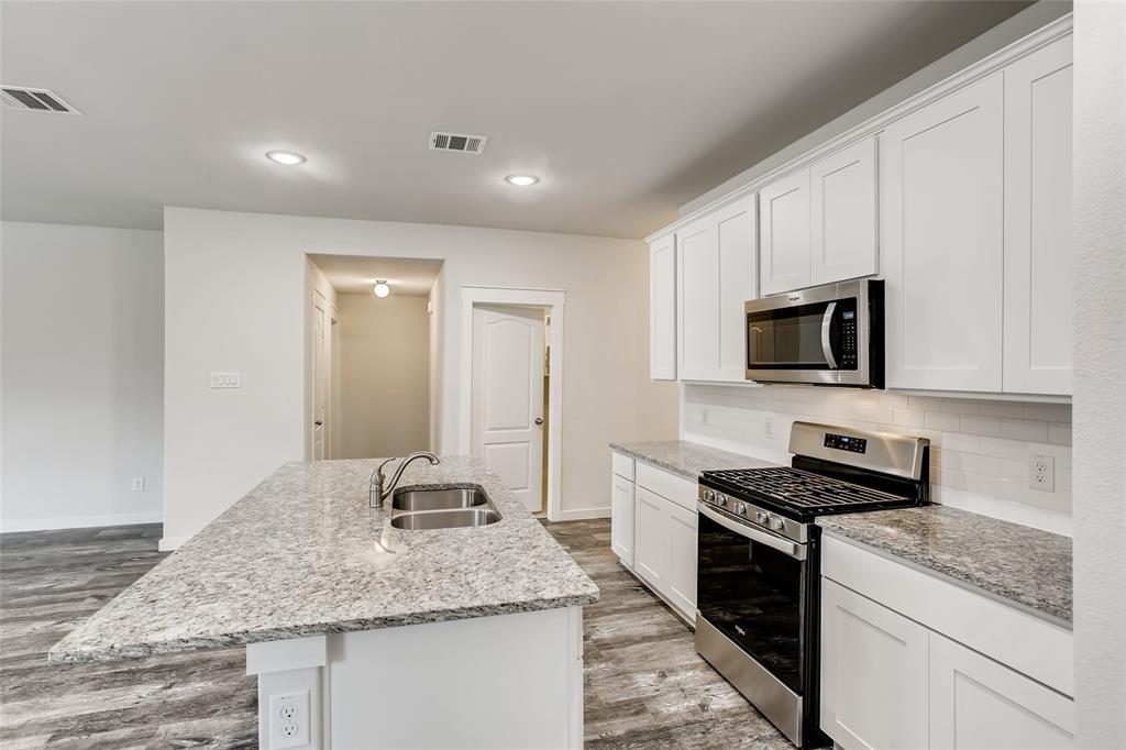 5836 Melville  Lane, Forney, Texas 75126 - acquisto real estate best prosper realtor susan cancemi windfarms realtor