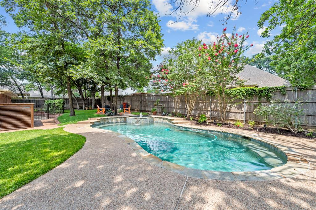 8324 Thorncrest  Court, North Richland Hills, Texas 76182 - acquisto real estate best looking realtor in america shana acquisto