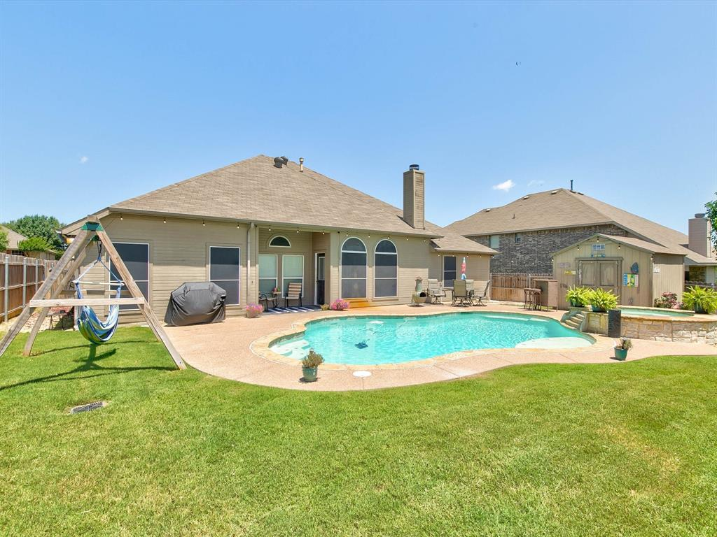 2973 Lakeview  Circle, Burleson, Texas 76028 - acquisto real estate best negotiating realtor linda miller declutter realtor