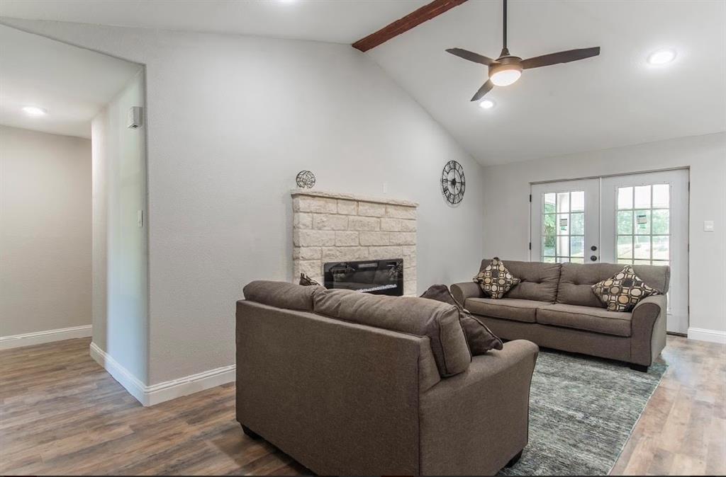 1001 5th  Street, Grand Prairie, Texas 75051 - acquisto real estate best designer and realtor hannah ewing kind realtor