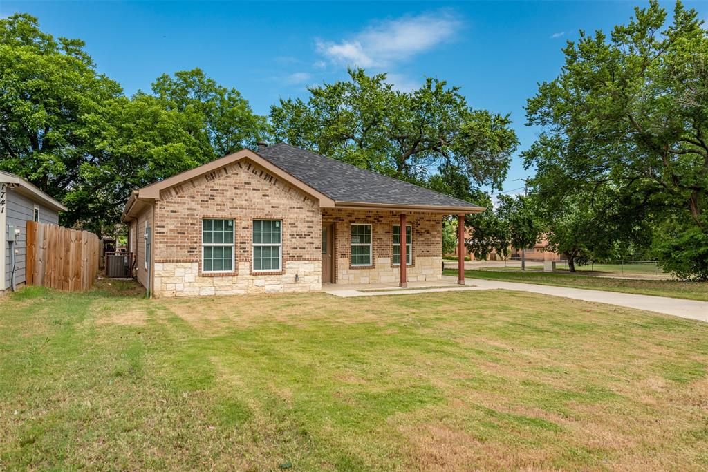 1745 Dillard  Street, Fort Worth, Texas 76105 - Acquisto Real Estate best plano realtor mike Shepherd home owners association expert