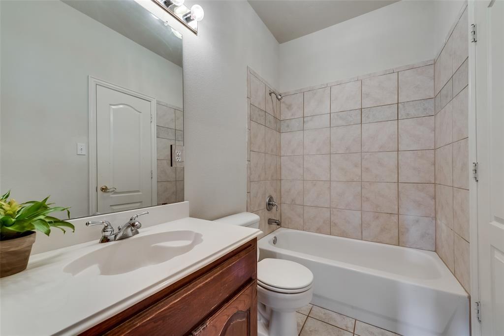 1205 Lone Star  Boulevard, Talty, Texas 75160 - acquisto real estate best realtor dfw jody daley liberty high school realtor
