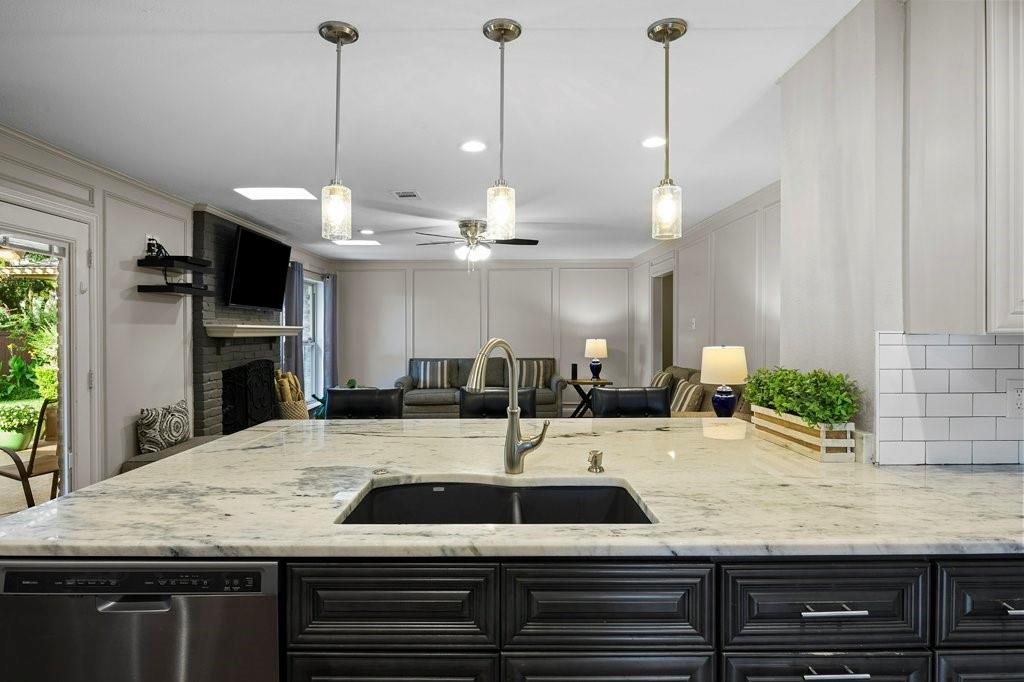 2417 Bluffton  Drive, Plano, Texas 75075 - acquisto real estate best luxury buyers agent in texas shana acquisto inheritance realtor