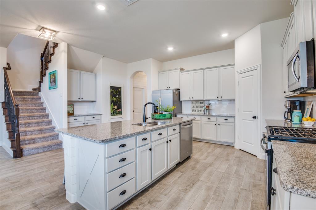 2805 Half Moon  Road, Aubrey, Texas 76227 - acquisto real estate best highland park realtor amy gasperini fast real estate service
