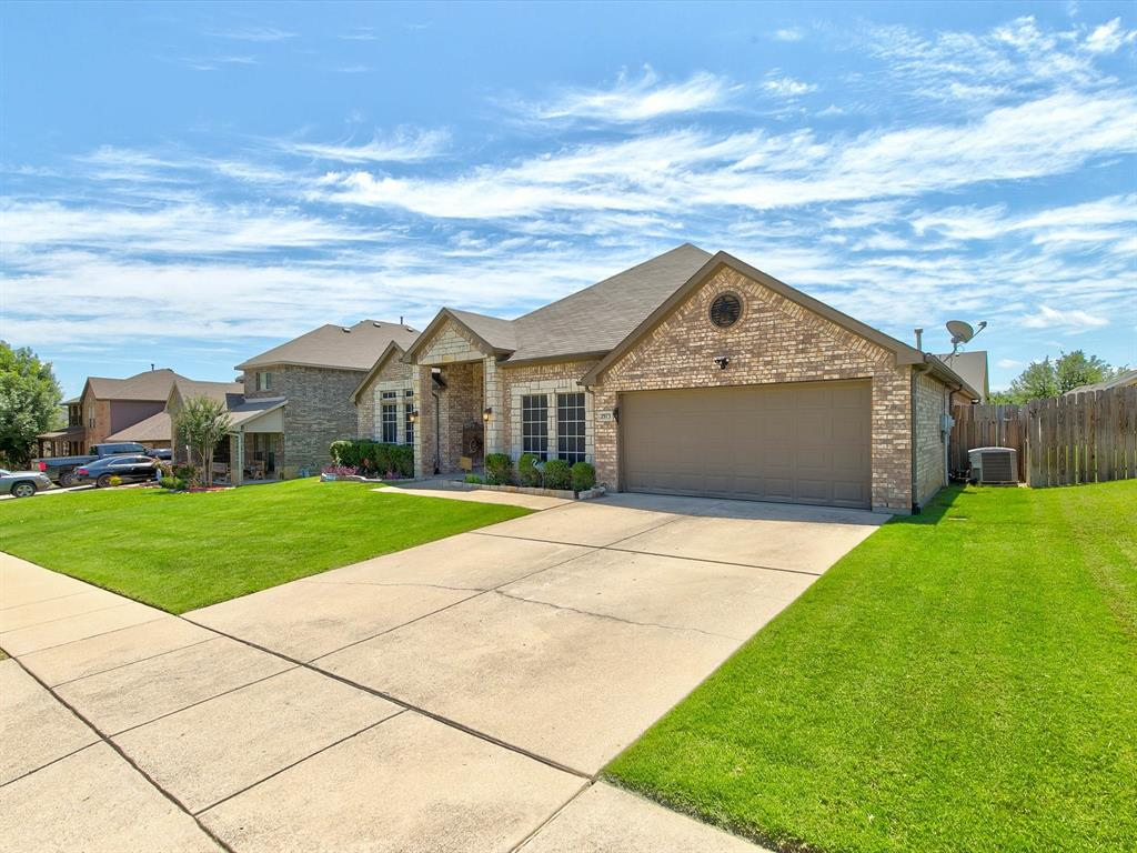 2973 Lakeview  Circle, Burleson, Texas 76028 - acquisto real estate best real estate idx dilusso marketing mike acquisto