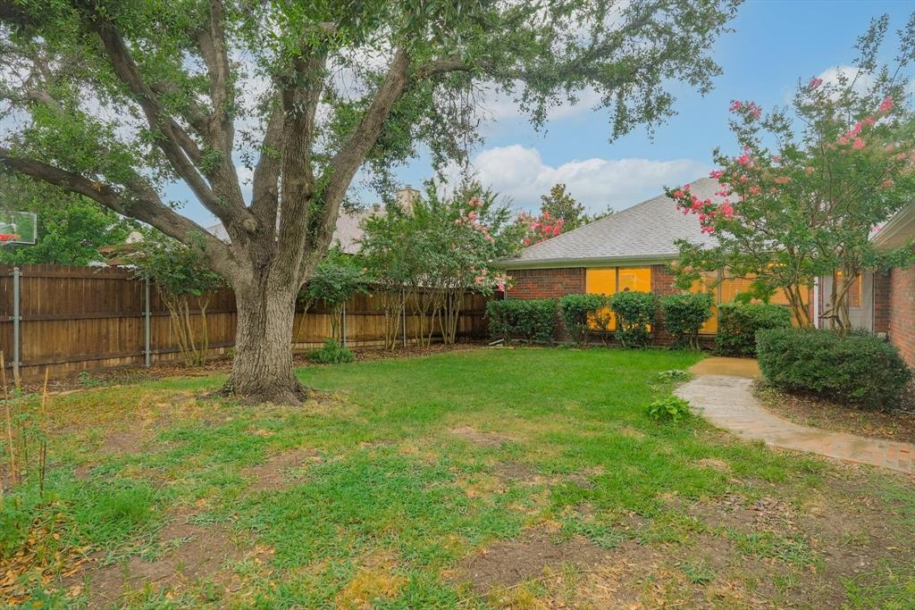 1662 Crosshaven  Drive, Lewisville, Texas 75077 - acquisto real estate mvp award real estate logan lawrence