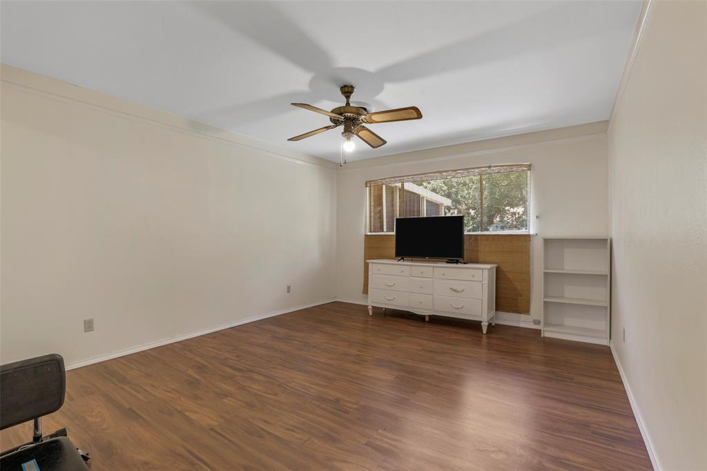204 Revere  Drive, Fort Worth, Texas 76134 - acquisto real estate best realtor foreclosure real estate mike shepeherd walnut grove realtor