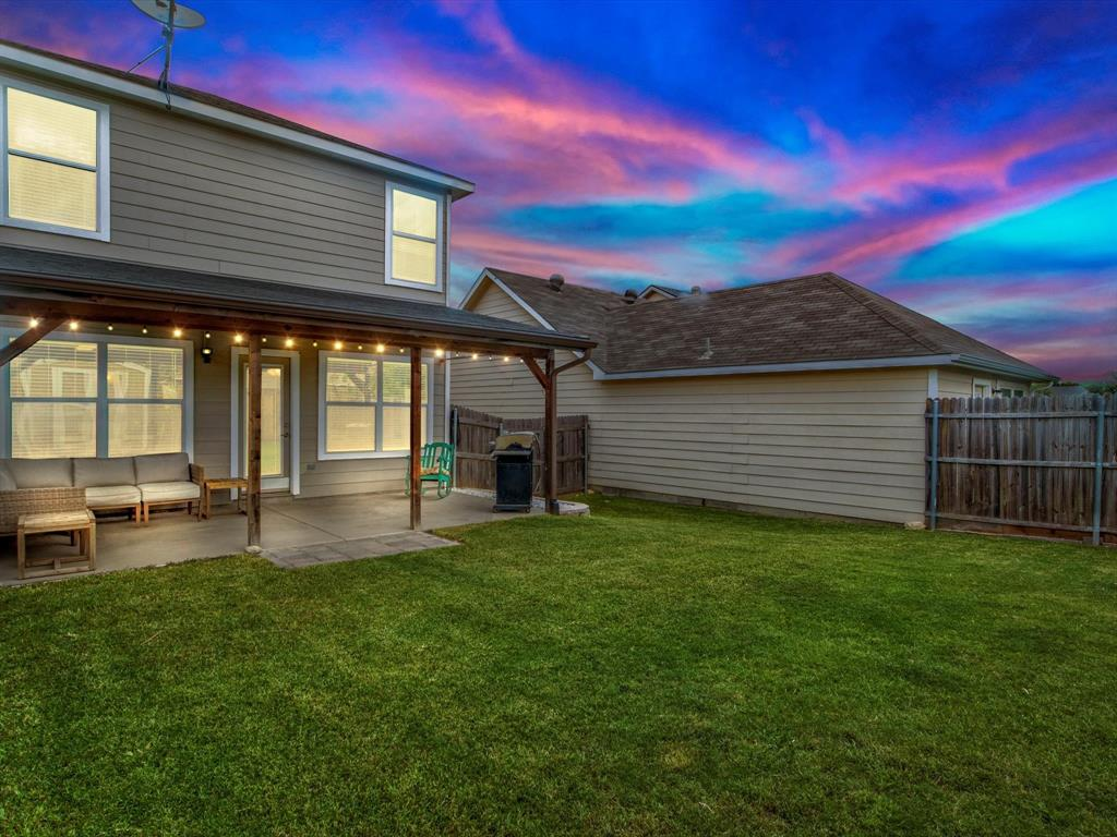10711 Edgewest  Terrace, Fort Worth, Texas 76108 - acquisto real estate best negotiating realtor linda miller declutter realtor