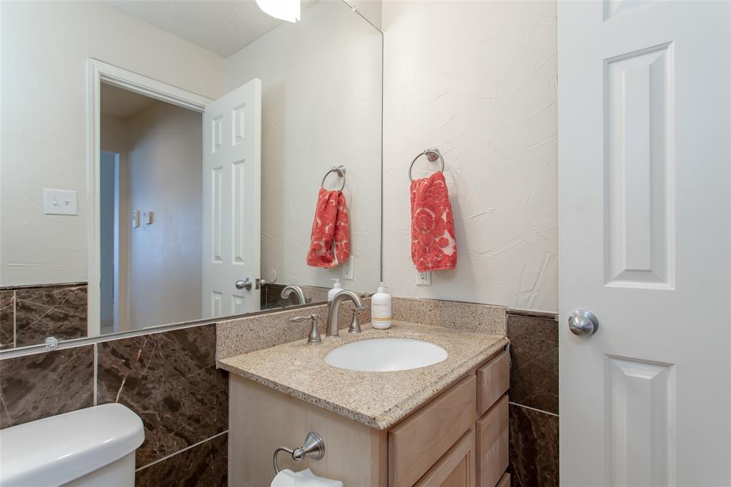 5118 Glen Vista  Drive, Garland, Texas 75044 - acquisto real estate best style realtor kim miller best real estate reviews dfw