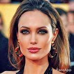 Angelina Jolie️️