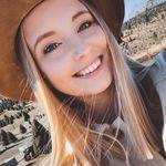 Olivia | Fashion Blogger