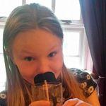 Emily 🥂