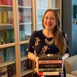 Erin | #bookstagram