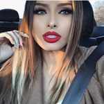 Beauty and Fashion page 💪🏽👄💄👖👗