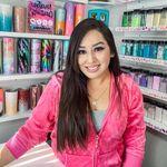 Ivette Moreno - Glitter Seller