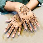 Nisma Nisar   Henna Artist