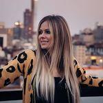 Avril Lavigne • 🇮🇩 fan acc ಠ‿ಠ