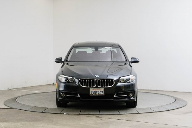 BMW 5 Series 2016 WBA5B1C50GG551993