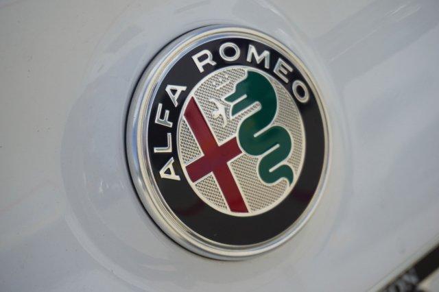 alfa-romeo-giulia-2019-ZARFAMAN9K7604168-8.jpeg