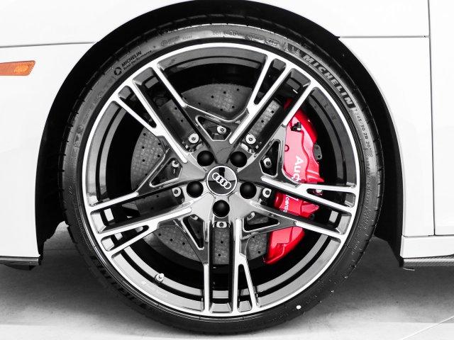 audi-r8-coupe-2020-WUAKBAFX2L7900832-3.jpeg