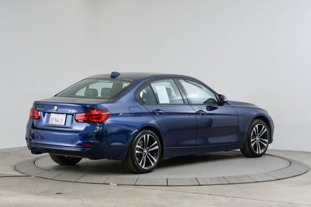 bmw-3-series-2018-WBA8B9C56JEE81711-5.jpeg