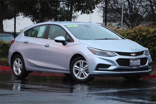 chevrolet-cruze-2018-3G1BE6SM9JS634116-2.jpeg