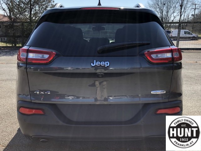 jeep-cherokee-2016-1C4PJMCB6GW231783-4.jpeg