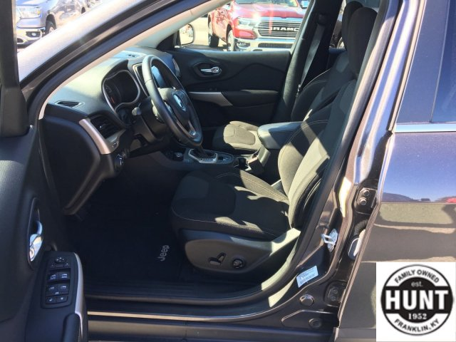 jeep-cherokee-2017-1C4PJMCB4HW626224-9.jpeg