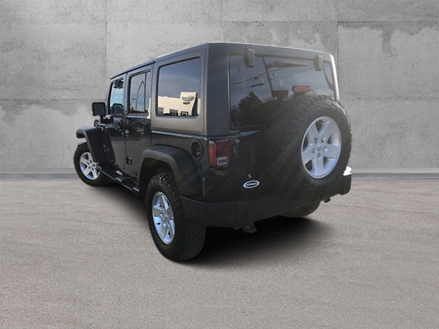 jeep-wrangler-unlimited-2017-1C4BJWDG0HL632555-4.jpeg