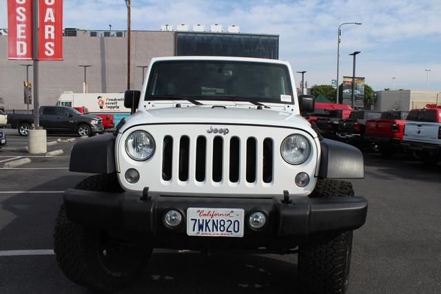 jeep-wrangler-unlimited-2017-1C4BJWDGXHL529451-5.jpeg