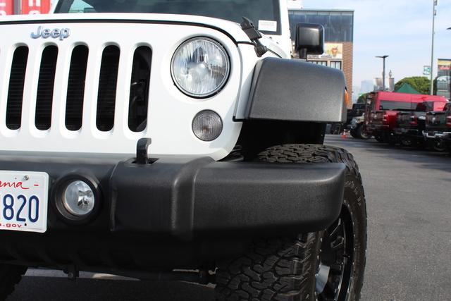 jeep-wrangler-unlimited-2017-1C4BJWDGXHL529451-6.jpeg