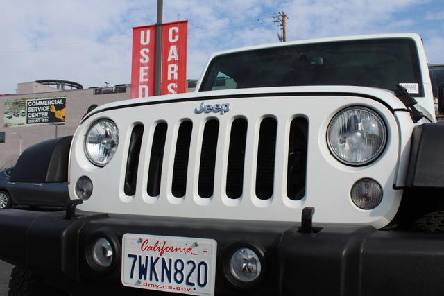 jeep-wrangler-unlimited-2017-1C4BJWDGXHL529451-7.jpeg