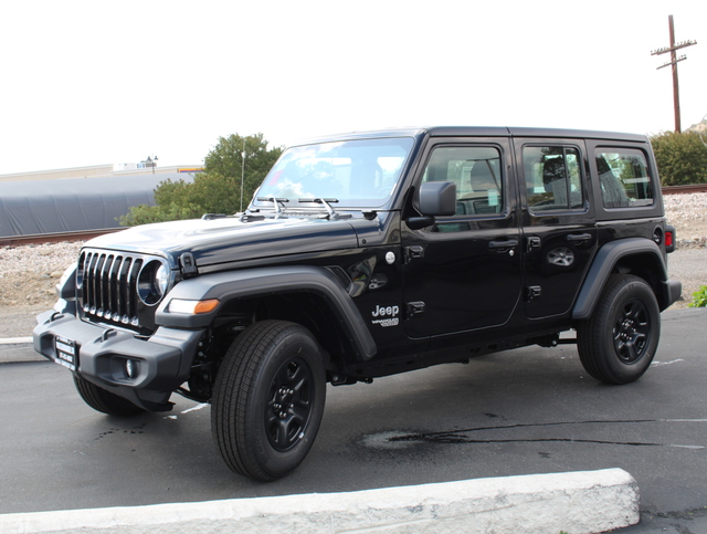 jeep-wrangler-unlimited-2020-1C4HJXDG0LW185619-2.jpeg