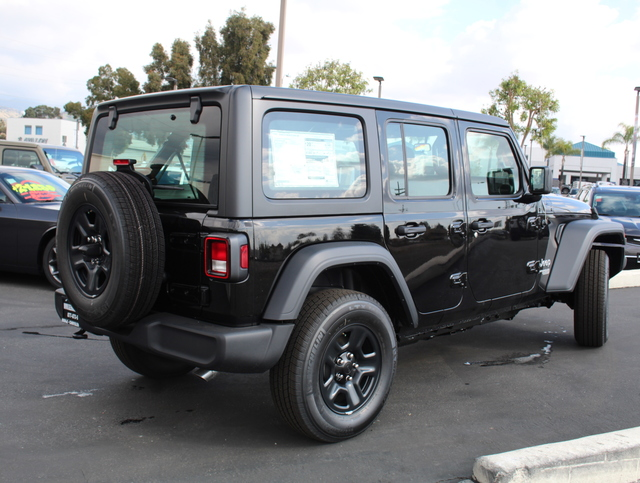 jeep-wrangler-unlimited-2020-1C4HJXDG0LW185619-4.jpeg