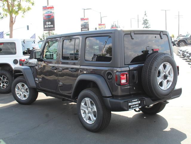 jeep-wrangler-unlimited-2020-1C4HJXDG4LW201353-3.jpeg
