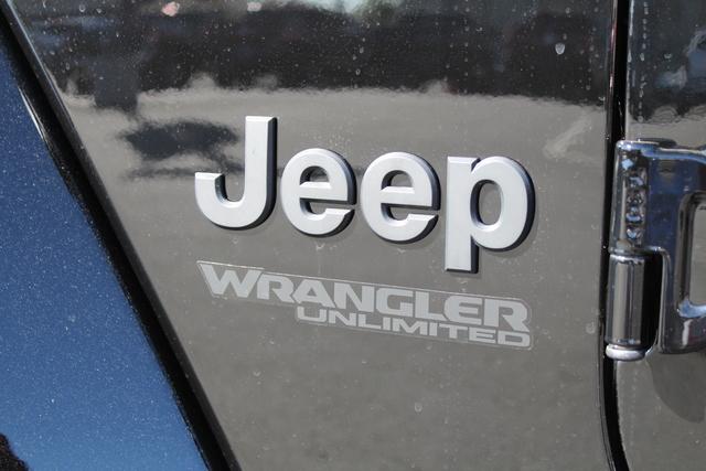 jeep-wrangler-unlimited-2020-1C4HJXEN7LW230830-8.jpeg
