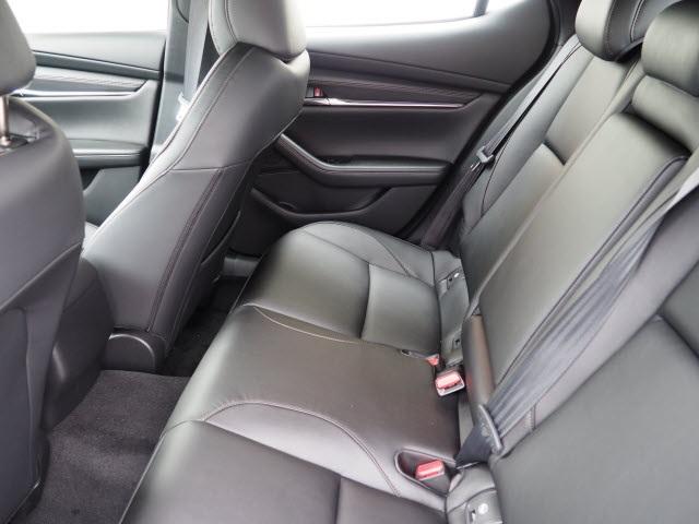mazda-mazda3-hatchback-2019-JM1BPBMM4K1123911-9.jpeg