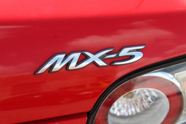 mazda-mx-5-miata-2006-JM1NC25F860104461-8.jpeg