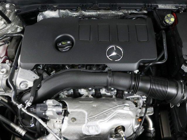 mercedes-benz-a-class-2020-WDD3G4EB4LW039322-3.jpeg