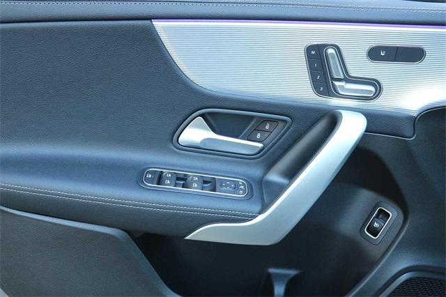 mercedes-benz-a-class-2020-WDD3G4EB9LW039560-9.jpeg