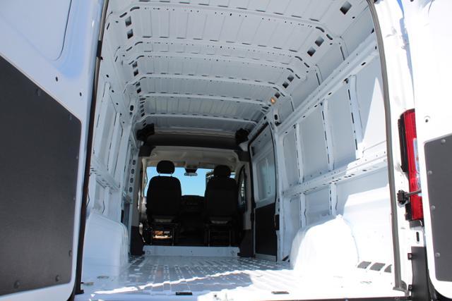 ram-promaster-cargo-van-2019-3C6URVJG1KE565147-10.jpeg
