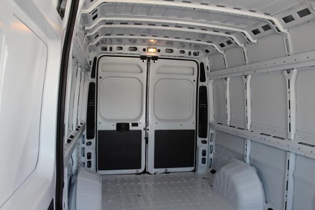ram-promaster-cargo-van-2019-3C6URVJG1KE565147-4.jpeg