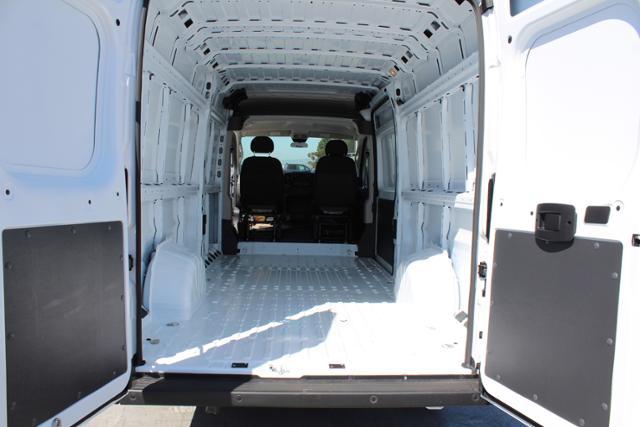 ram-promaster-cargo-van-2019-3C6URVJG1KE565147-9.jpeg