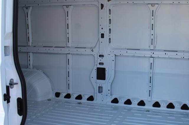 ram-promaster-cargo-van-2019-3C6URVJG9KE562111-10.jpeg
