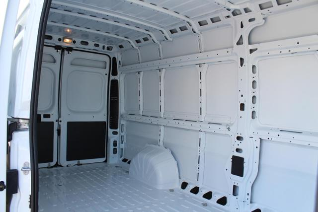 ram-promaster-cargo-van-2019-3C6URVJG9KE562111-9.jpeg