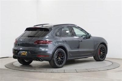 Porsche Macan 2017 WP1AG2A52HLB56376