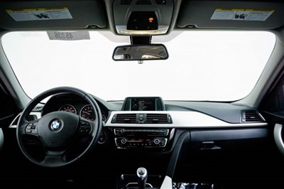 bmw-3-series-2017-WBA8A9C3XHK622645-9.jpeg