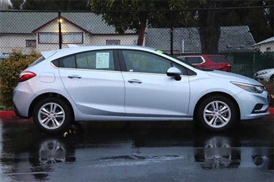 chevrolet-cruze-2018-3G1BE6SM9JS634116-5.jpeg